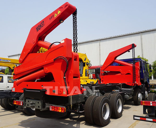 self loading container truck 4.jpg