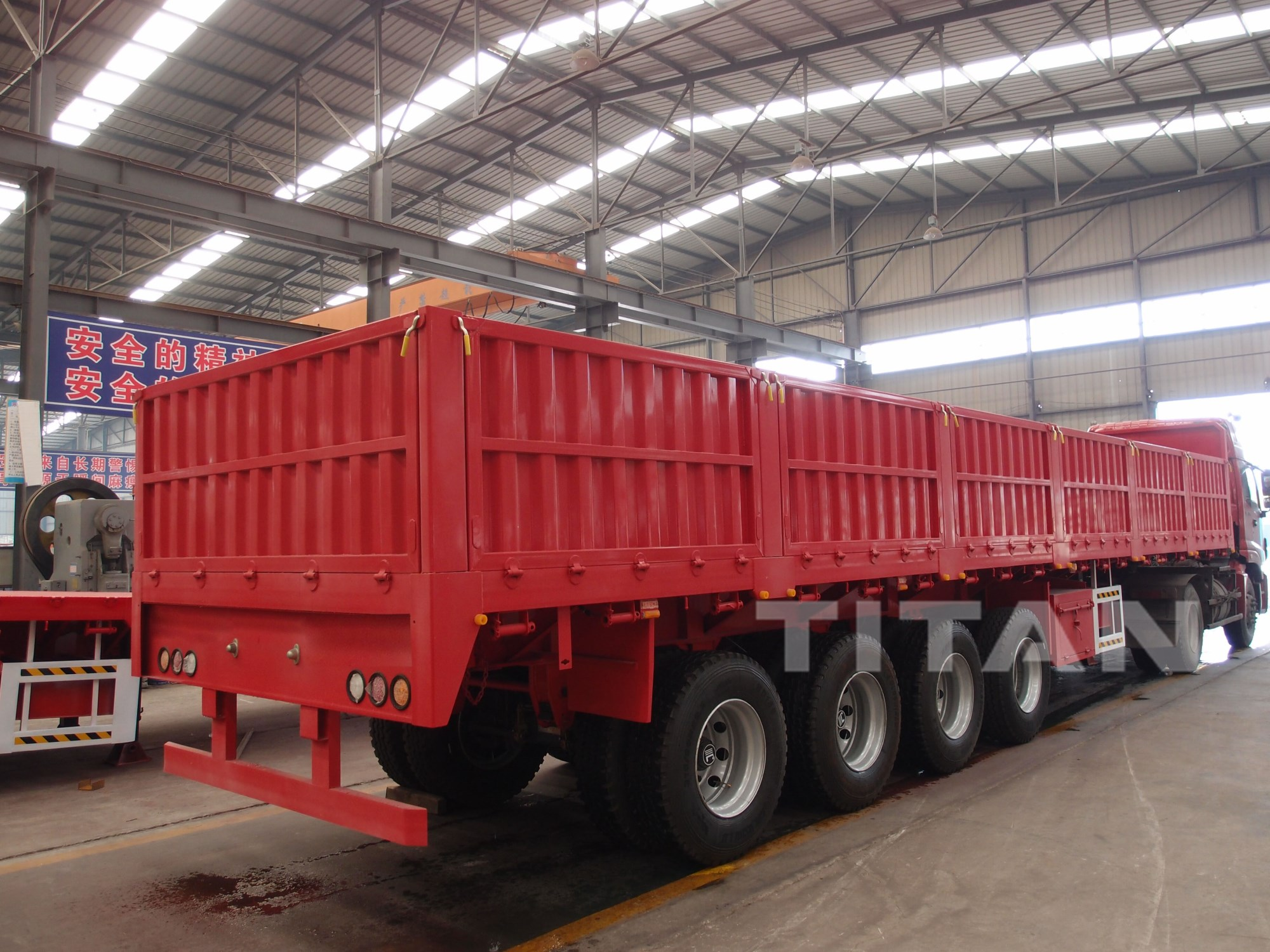 4 Axles Flatbed Trailer with Side Wall