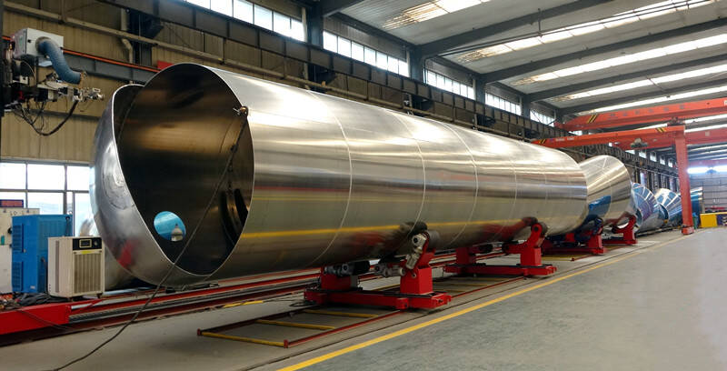 TITAN fuel tanker trailer factory