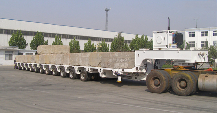 TITAN SPMT (Self-propelled modular transporter) semi trailer